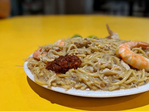 Tiong Bahru Yi Sheng Hokkien Mee's chili is amazing