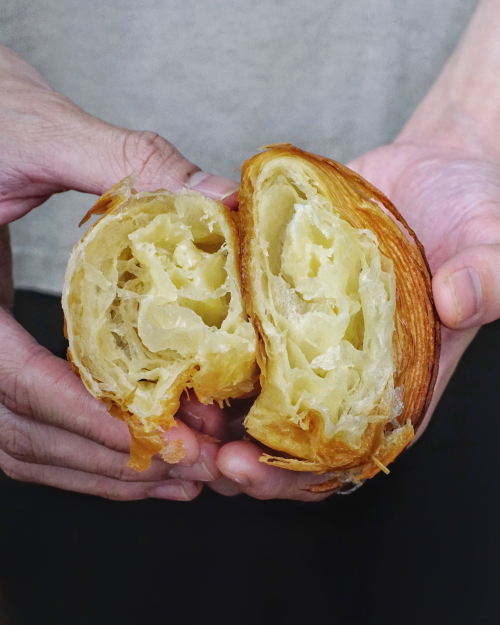petit pain butter croissant